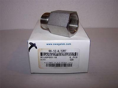 Swagelok  Ss-12-A-12Rt Adapter 3/4 Fnpt X 3/4 Male Iso New