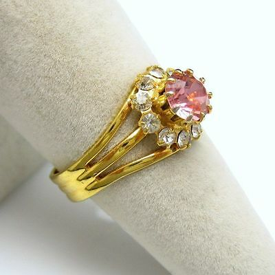 Vintage Cocktail Ring Pink Solitaire Stone Rhinestones Gold Plated Size 7.75-8