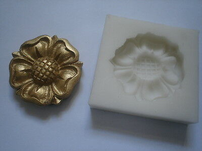 Brand New Silicone Rubber Mould ~ Small Tudor Rose ~