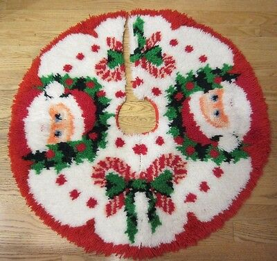 Completed Latch Hook Santa Candy Canes Christmas Tree Skirt Homemade Vtg 80s-90s
