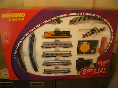 N Scale Trains Santa Fe Train Set By Mehano  # T772 **nib** Heavywweight Cars