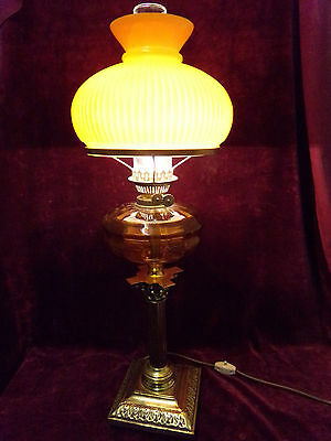 Antiques brass oil lamp