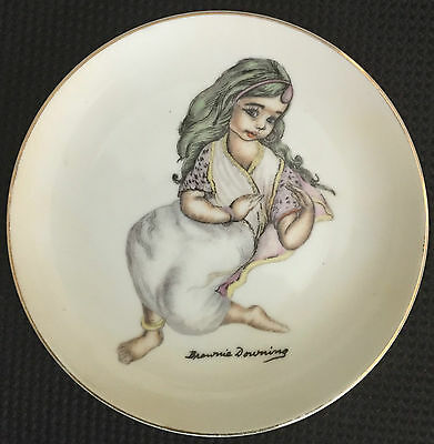 ** RARE** LARGE 15.5cm SIGNED BROWNIE DOWNING WALL PLATE in EXC 1 of 6