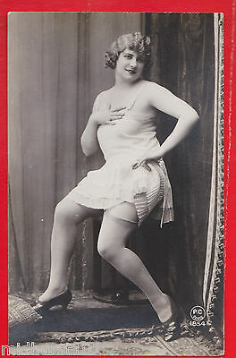 Glamour, Risqué nudes, Erotic French card. 1920's