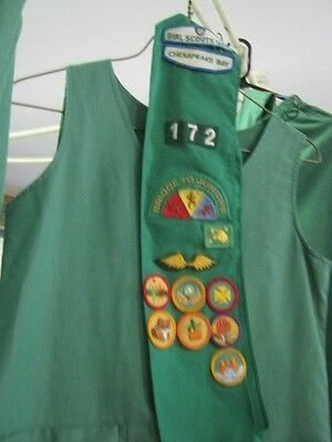 Lot of 4 Vintage Green GIRL SCOUTS Outfits Uniforms Badges CHESAPEAKE BAY 12 14
