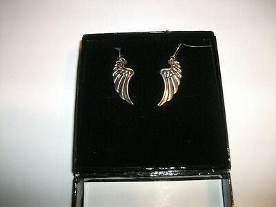 Golddigga Wings Dangle Earrings NEW in Flocked Cardboard Display Case