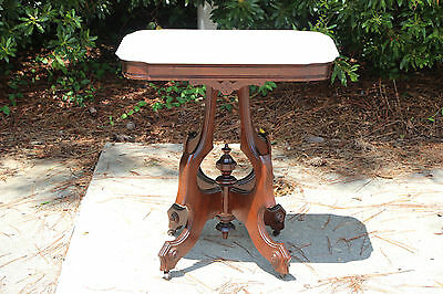 Walnut Victorian Renaissance Revival Cookie Corner Marble Top Parlor Table