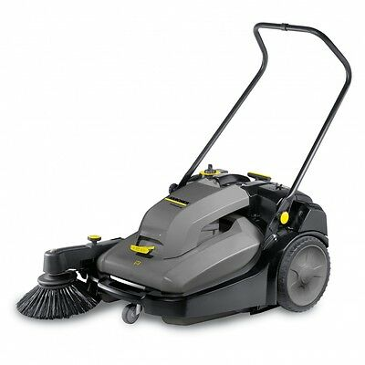 Karcher KM 70/30 C BP Adv Sweeper BATTERY POWERED YARD SWEEPER 15172130