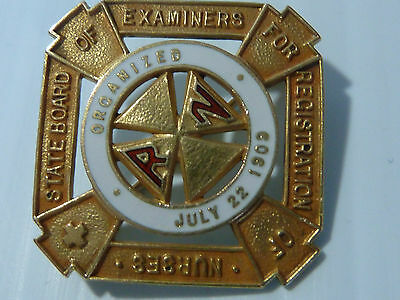 """rn"" 10 Karat Gold Square Pin ""state Board Of Examiners For Reg. Of Nurses"""
