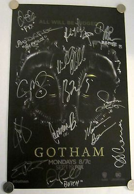 Gotham Poster Signed By Cast And Creators - Comic-Con 2016
