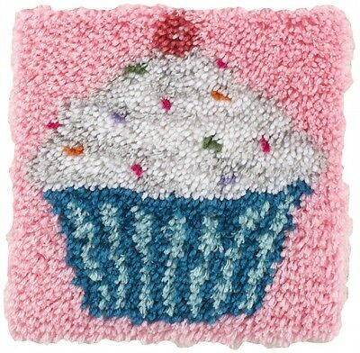 Caron WonderArt Latch Hook Rug Kit Cupcake (426109)