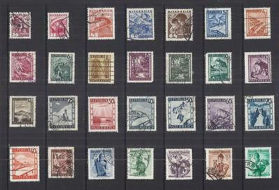 s8608 Austria /A Small collection Early & Modern Hinged Mint & Used
