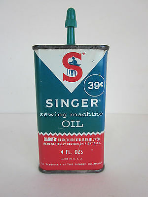 Vintage Singer Sewing Machine Oil Tin Can 4oz green red advertising oiler retro