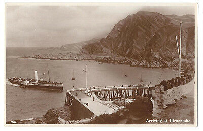 PADDLE STEAMER Arriving at Ilfracombe, RP Postcard by Welch Unused