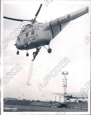 1954 London England US Air Force Helicopter Air Sea Rescue Rehearsal Press Photo