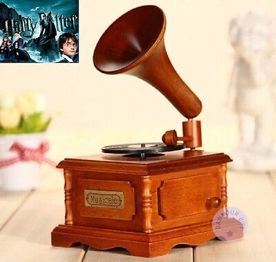 WOOD PHONOGRAPH WIND UP MUSIC BOX : Harry Potter Hedwig's Theme