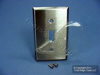 Cooper Stainless Steel 1-Gang Toggle Switch Wall Plate Cover Switchplate 93071