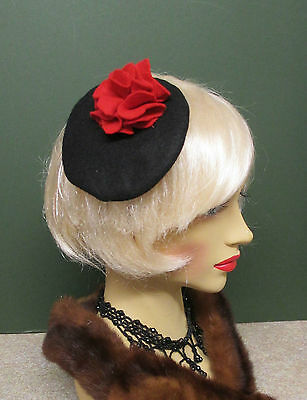 1940s LOOK BLACK FELT  MINI BERET WITH RED FLOWER DECORATION