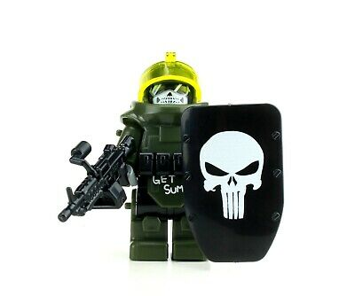 Juggernaut Army Assault Minifigure (SKU81) made with real LEGO®