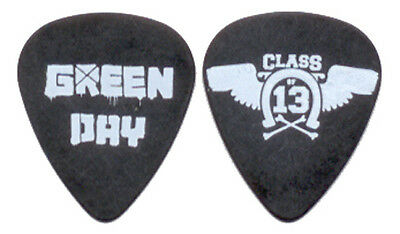 """GREEN DAY --- 2010 """"Class of 13"""" guitar pick"""