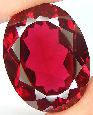 58,21Ct. Beau Enorme Rubis Sang De Pigeon De Synthese Taille Ovale