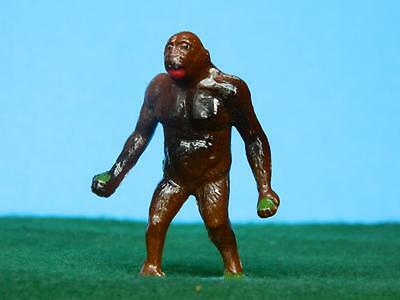 CHARBENS VINTAGE 1950s HOLLOW CAST LEAD ZOO SERIES GORILLA MINT OLD SHOP STOCK !
