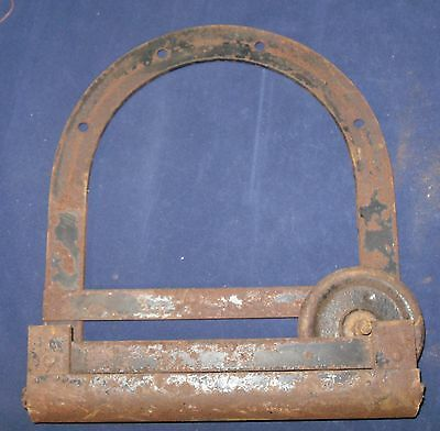 "Antique Vintage Pulley Wheel and Horseshoe Shaped Bracket, 9 1/2"" x 10 1/2"""