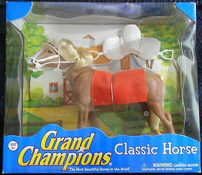 Empire Toys Grand Champions Classic Horse - Sandy Mustang - NEW NIB