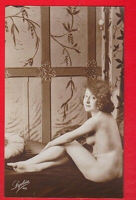Glamour, Risqué nudes, Erotic French card.  1920's. G9
