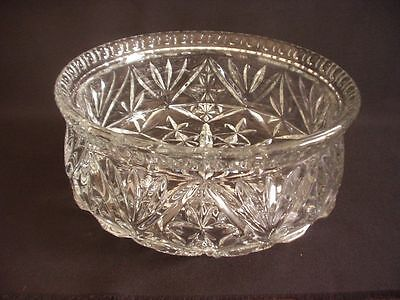 Very Striking Clear Pressed Glass Bowl ~Superb Pattern