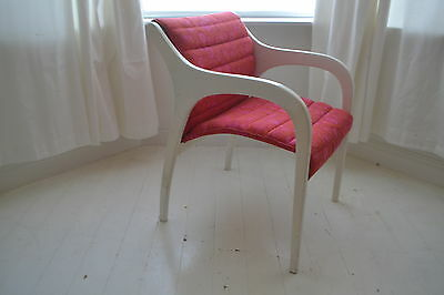 STUNNING VINTAGE 1960's WHITE LACQUERED ARM CHAIR