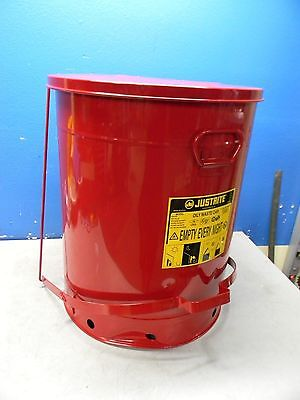 Justrite 21 Gallon Galvanized Steel Foot Operated Disposal Can