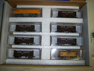N Scale Union Pacific Train Set  # F2 Loco W/ 6 Hopper Cars & Up Caboose 2011-20