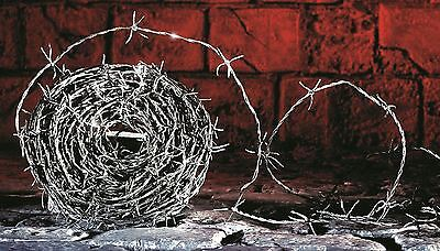*Halloween Decorative WW2 30m Roll Realistic Fake Barbed Wire String Decoration*