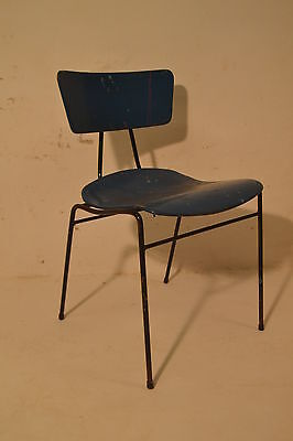 Stunning Vintage Plywood Ernest Race Roebuck Chair