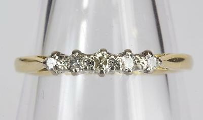 A VINTAGE SOLID 18ct GOLD DIAMOND 5 STONE RING SIZE U (US 10.25)
