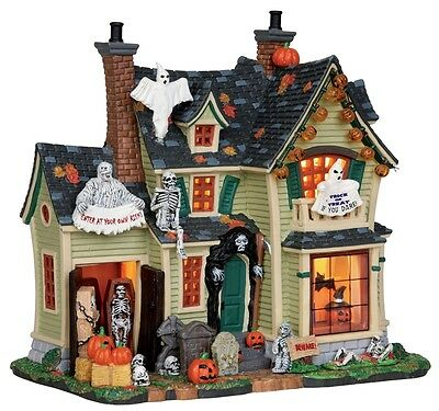 Lemax Spooky Town, 25330 Scariest Halloween House