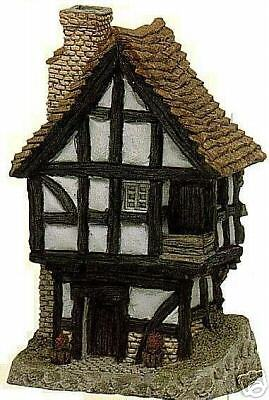 Spinner's Cottage - David Winter Collection - Retired 1991 - Mint Condition