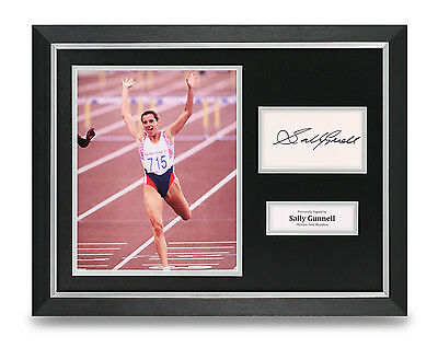 Sally Gunnell Signed Photo Framed 16x12 Olympics Autograph Memorabilia Display