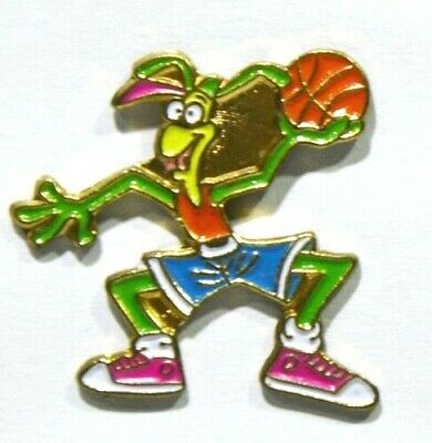 Pins Basket Ball Personnage Cartoon Bd Sans Pub (Insecte Sauterelle Homme ?)
