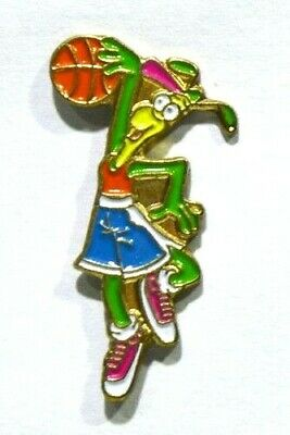 Pins Basket Ball Personnage Cartoon Bd Sans Pub (Insecte Sauterelle Femme ? )
