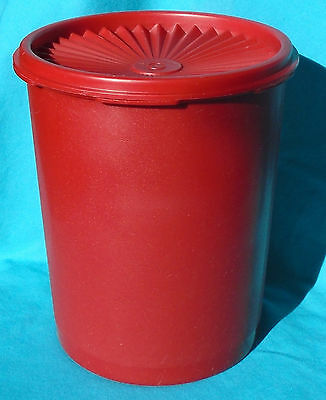 TUPPERWARE Servalier 8-Cup Canister with Lid 809 & 810, Dark Red, vintage