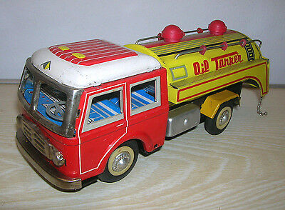 Red China Tintoy - Oil Tanker MF 963 - 60er/70er Jahre