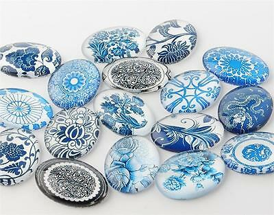 10 x OVAL RETRO BLUE & WHITE PRINTED CLEAR GLASS DOMED CABOCHONS 25mm X 18mm