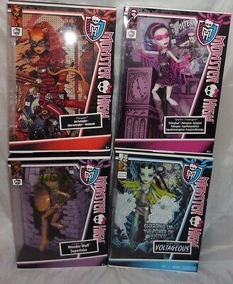 Monster High Power Ghoul Wonder Wolf Cat Tastrophe Voltageous Super Hero ghouls