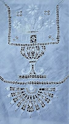 """Nearly Banquet 97""""x69"""" ITALIAN EMBROIDERY Linen Tablecloth w Needle Lace"""