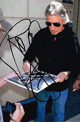 Pink Floyd Roger Waters Hand Signed Autographed Colour 6 x 4 Signing Picture