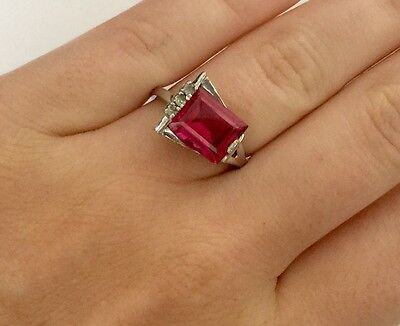 Vintage 10K Solid White Gold Man Made Red And Clear Stones Ladies Ring Size 6.5