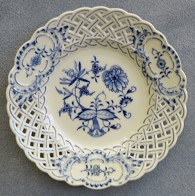 """Meissen Blue Onion Pattern Reticulated Pierced Style 8 1/4"""" Plate Excellent!"""