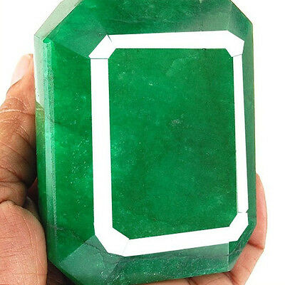 2674 Cts Certified Museum Size Finest Green Natural Brazilian Emerald Gemstone
